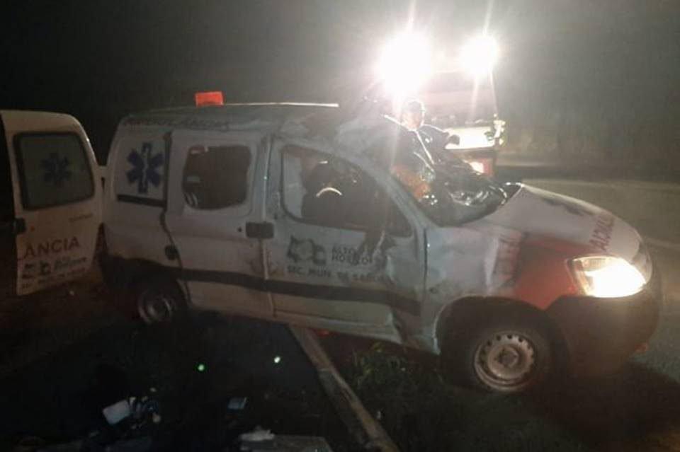 ambulância se envolve em acidente e grávida morre