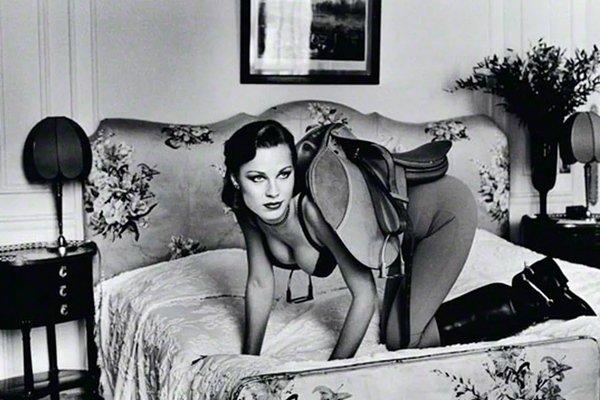 Mulher em ensaio fetichista