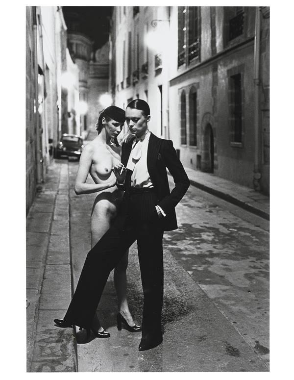 Campanha da coleção Le Smoking, de Yves Saint Laurent