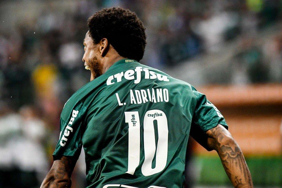 Camisa do Luiz Adriano