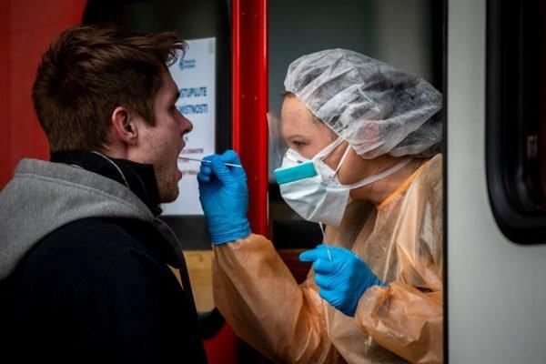 coronavirus europa teste máscara