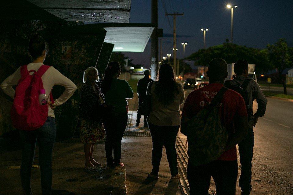 Insegurança nas paradas de ônibus geram medo na população - Santa Maria