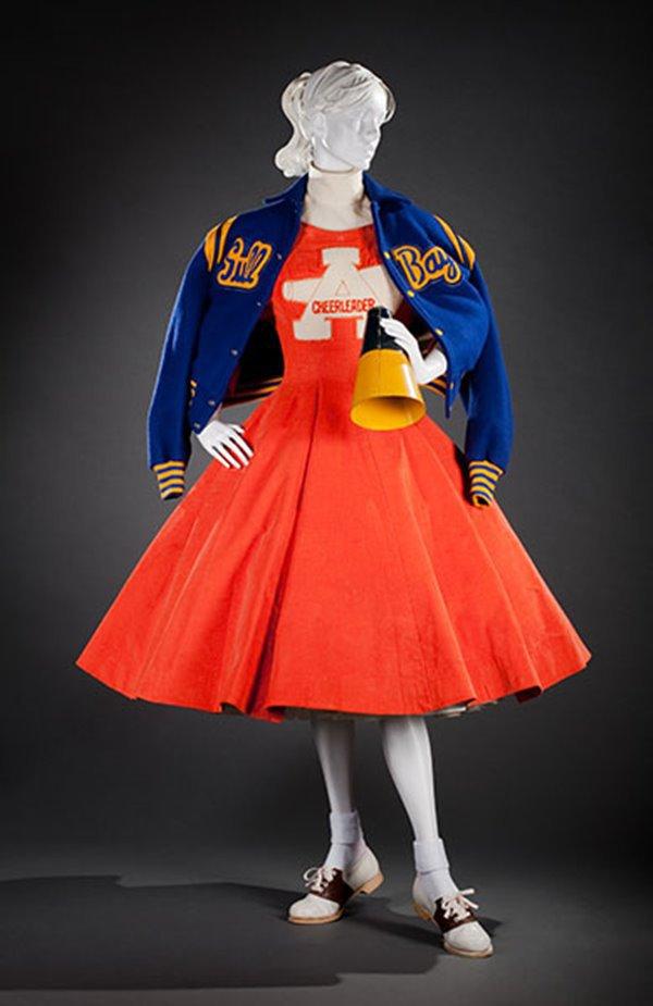 Look de cheerleading dos anos 1950