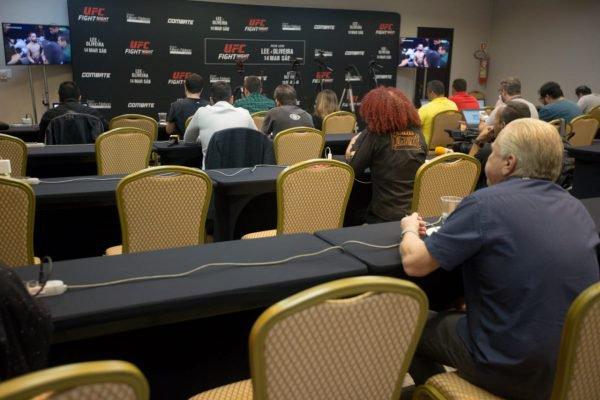 Com portões fechados, UFC precisou montar uma sala de imprensa no hotel que abriga as equipes