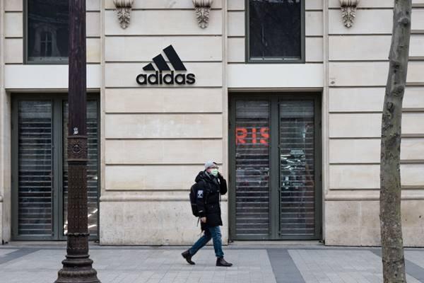 loja da Adidas fechada