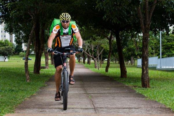 Entregador de bicicleta, delivery