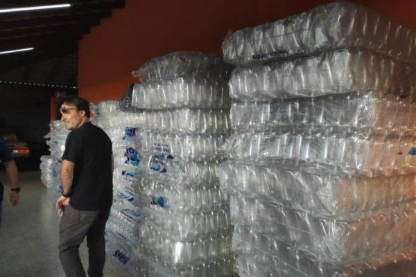 Mulher vendia álcool em gel clandestino