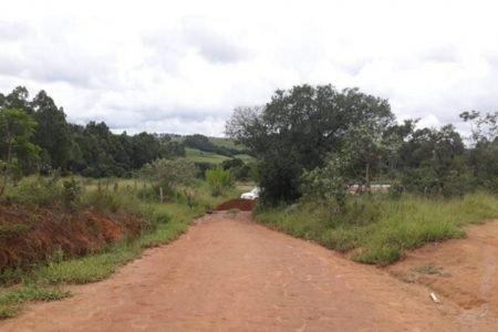 Barreira na entrada de São Tiago