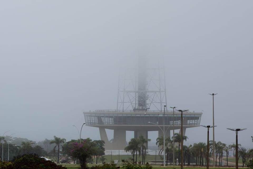 Neblina no centro de Brasília