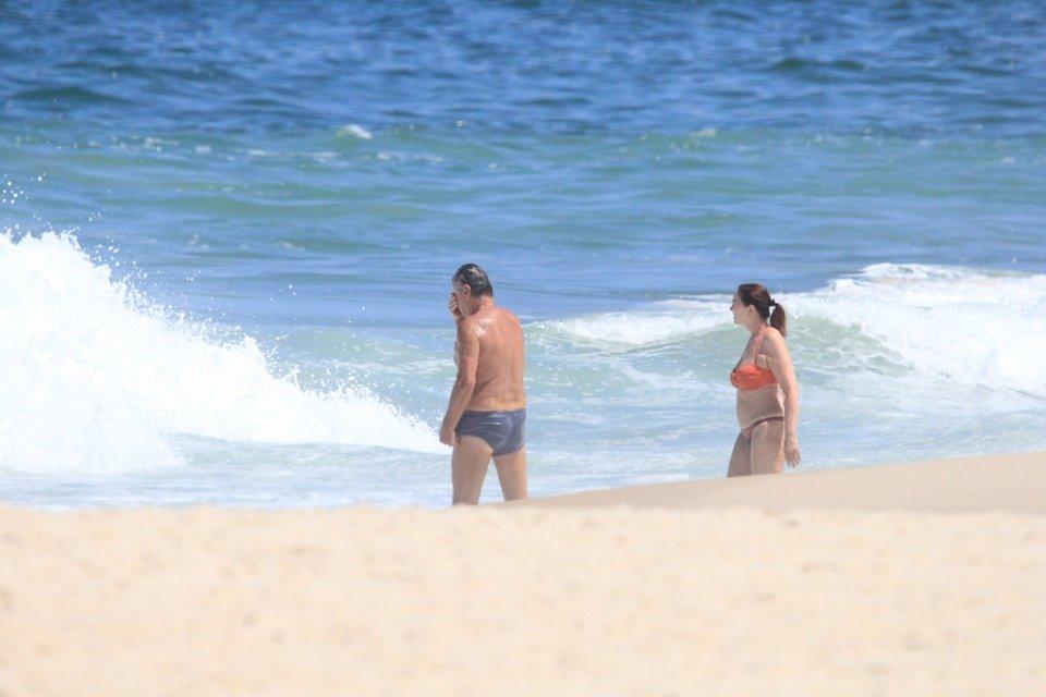 Arnaldo Cezar Coelho na praia