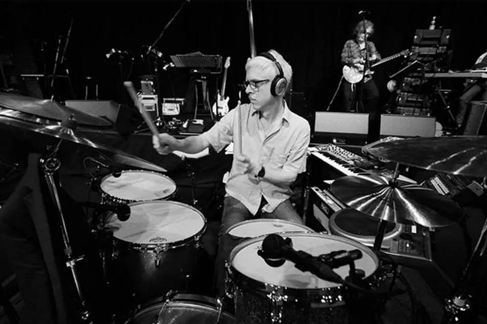 Bill Rieflin, baterista do King Crimson e ex-R.E.M.
