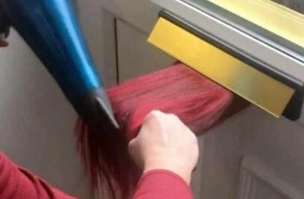 Cebeleireira do Reino Unido faz escova em cabelo pelo buraco da correspondência