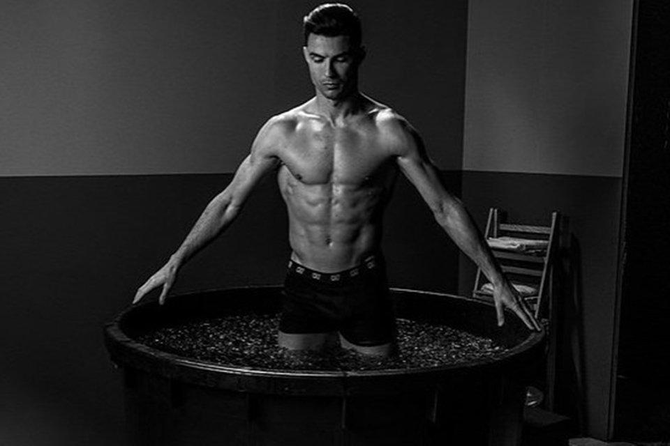Cristiano Ronaldo na banheira