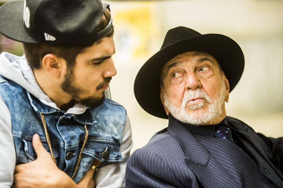 Dom Peppino (Lima Duarte) e Grego (Caio Castro) em I Love Paraisópolis