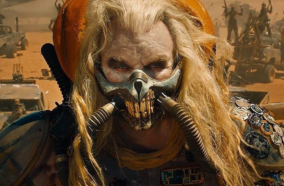Hugh Keays-Byrne no papel de Immortan Joe em Mad Max: Estrada da Fúria (2015)