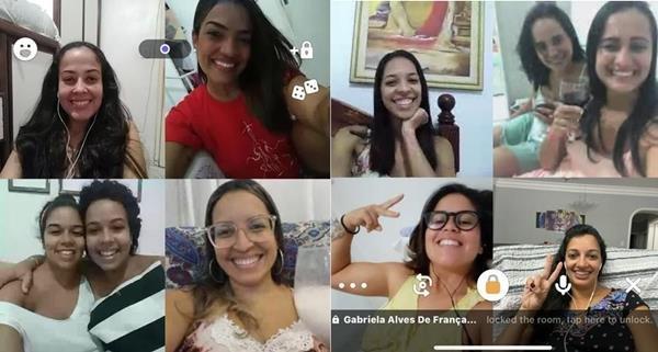 Amigas conversam no isolamento por vídeo usando app HpuseParty