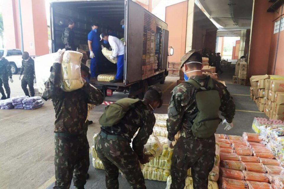 Mantimentos doados por empresas chegam ao Mangueirão