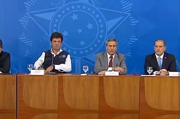 Ministros Luiz Henrique Mandetta e da Casa Civil, Braga Netto