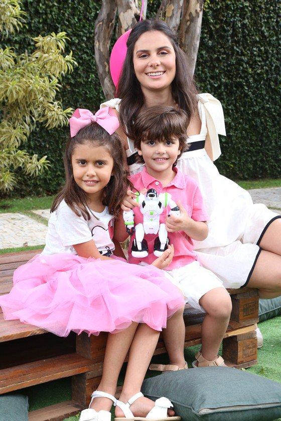 Catarina, Raquel e Miguel Jones