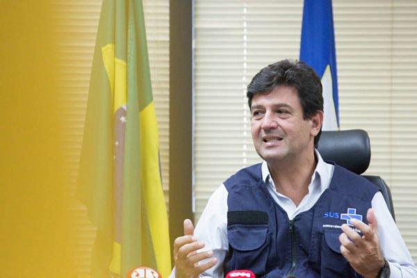Luiz Henrique Mandetta, ministro da saúde, se encontra com Augusto Aras, PGR, e tratam de acordo entre os órgãos