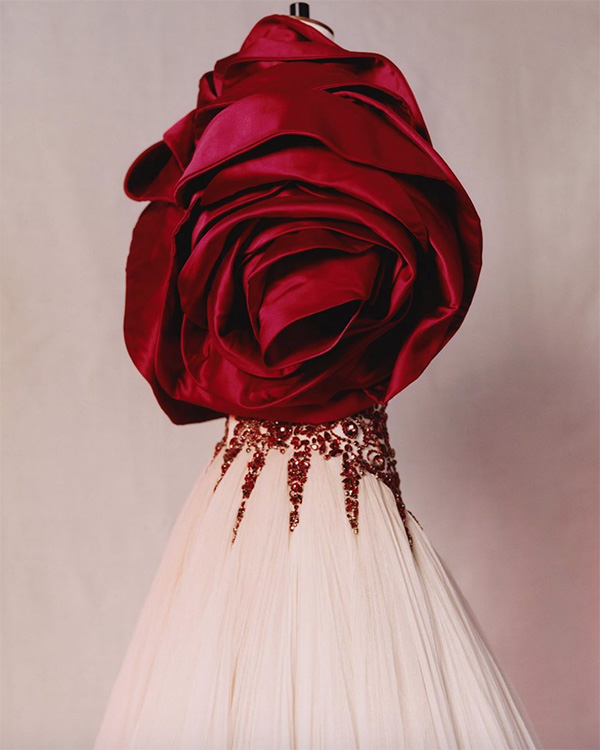Vestido com rosa