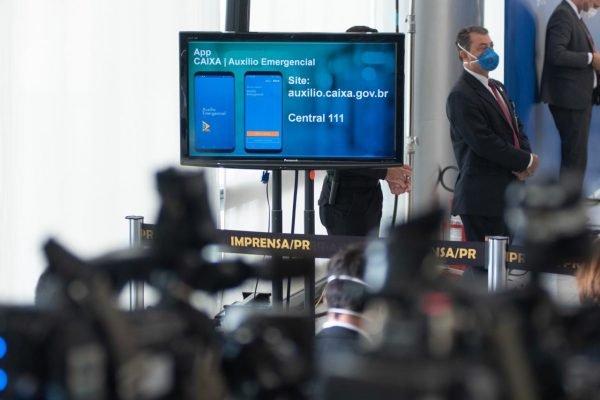 """Governo federal lança app para pagamento do auxílio emergencial de R$ 600, conhecido também como """"coronavoucher"""""""