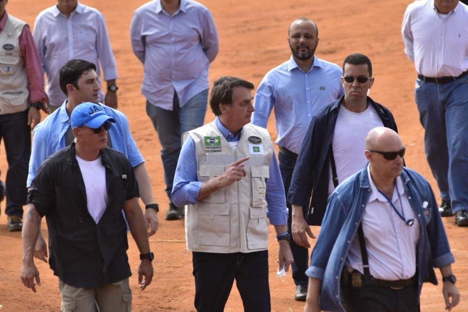 Bolsonaro visita Hospital de Campanha em Águas Lindas