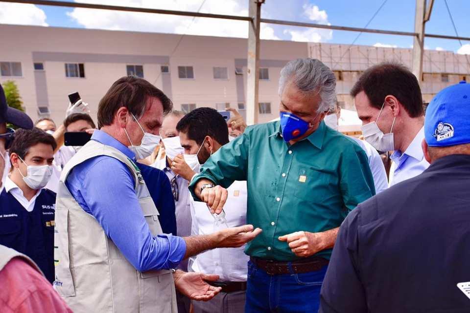 Covid-19: Caiado e Bolsonaro em visita ao hospital de campanha em Águas Lindas