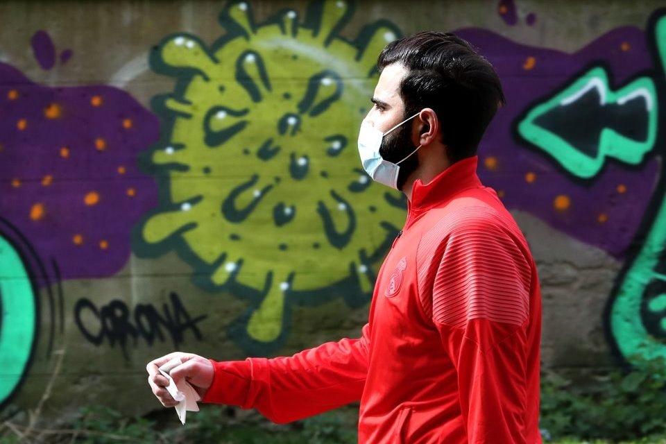 Homem coronavírus máscara