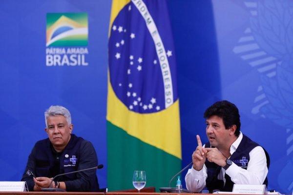 Ministro da Saúde, Luiz Henrique Mandetta, e secretários de Vivilância em Saúde, Wanderson Kleber, e o secretário-executivo durante coletiva Palcio PLanalto covid-19