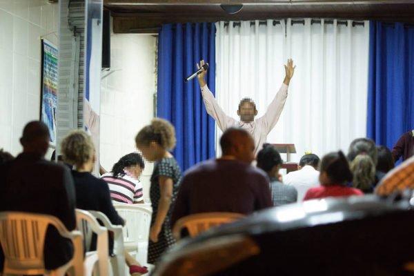 Fieis frequentam as igrejas em fase de isolamento social