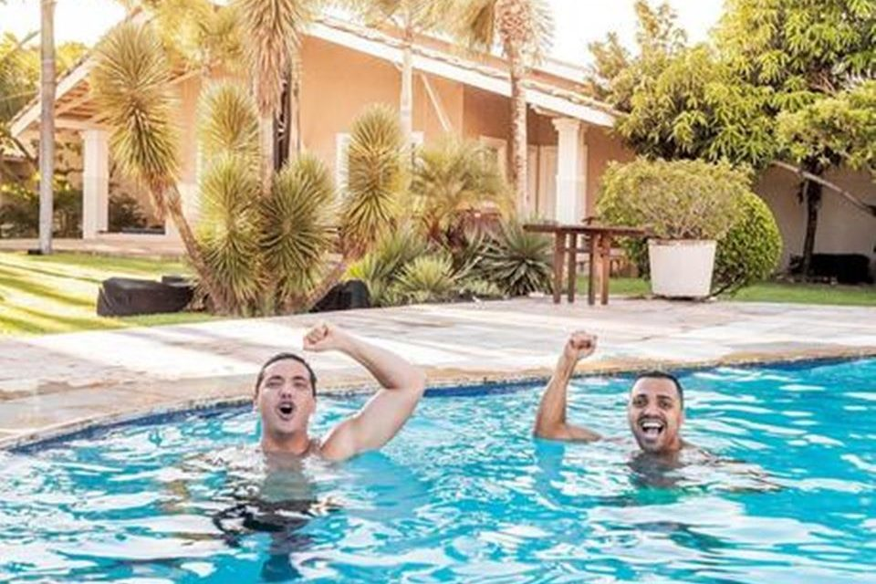 wesley-safadao-piscina