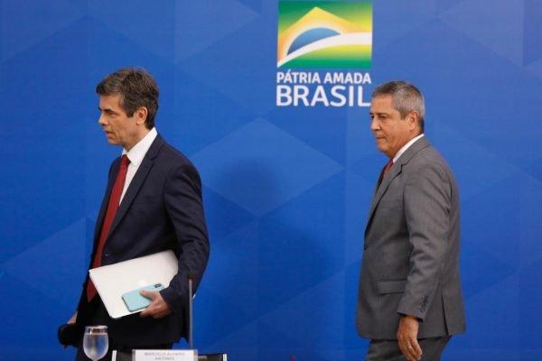 Ministros da Saúde, Nelson Teich, e da Casa Civil, Braga Netto