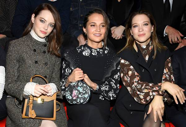 Emma Stone and Alicia Vikander, and Léa Seydoux in show of the Louis Vuitton