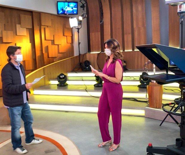 Fátima Bernardes nos bastidores do Encontro (Foto: Globo / João Cotta)