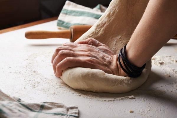 sovando pão
