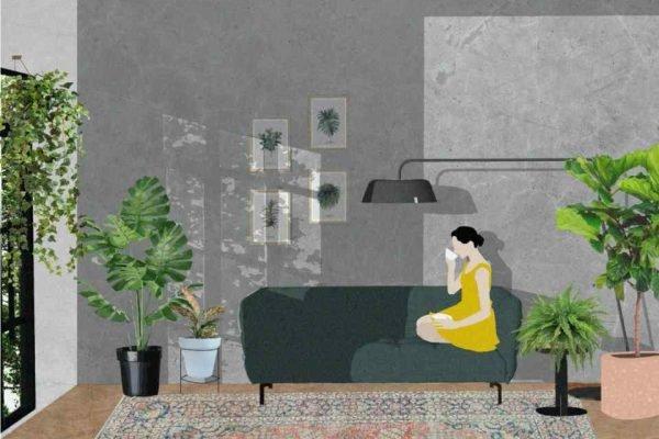 Mulher no sofá de casa cercada de plantas
