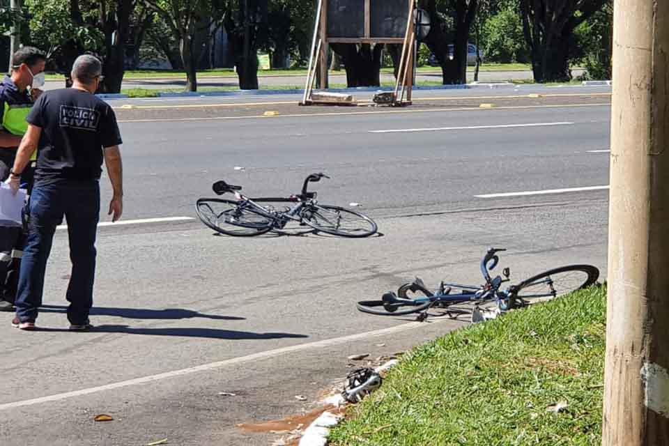Bicicleta amassada após acidente