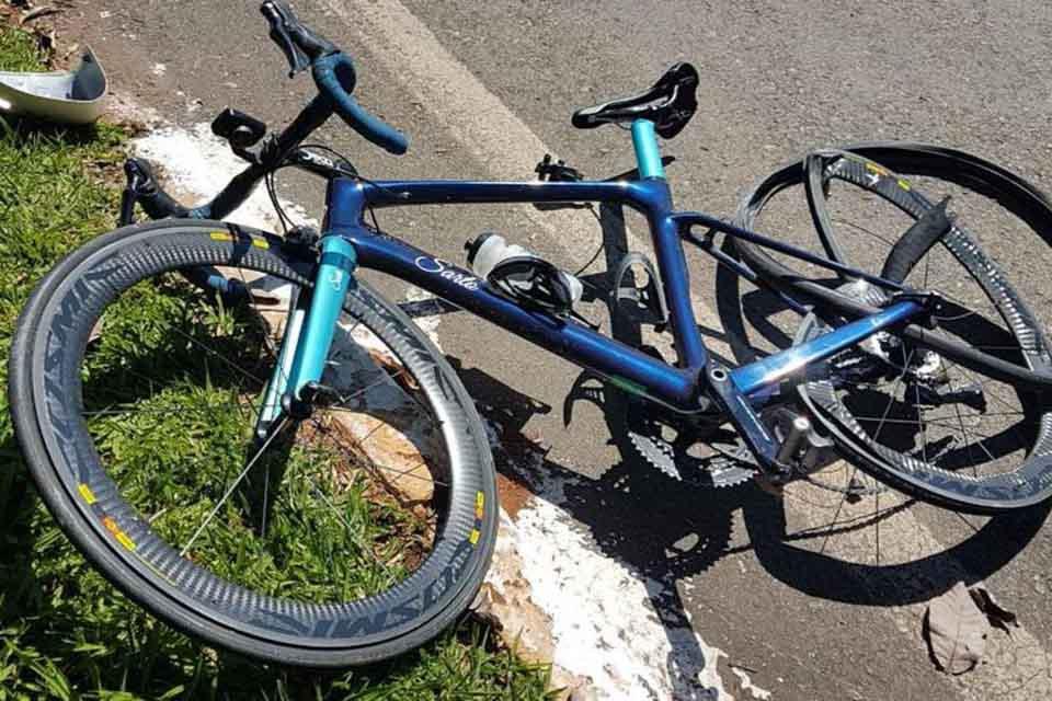 bicicleta amassada