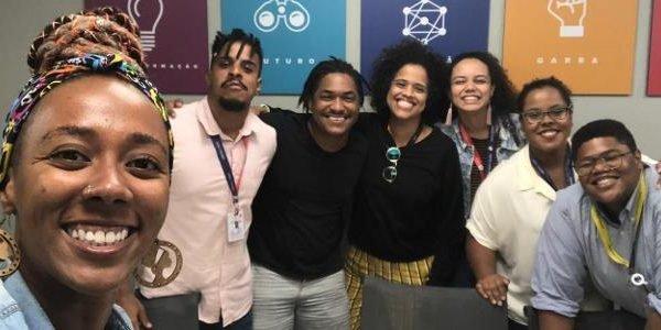 Grupo de funcionários negros lutam por mais representatividade na tv
