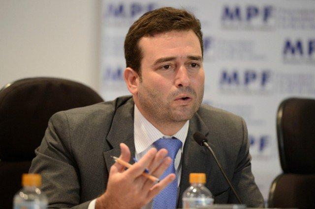Tácio Muzzi