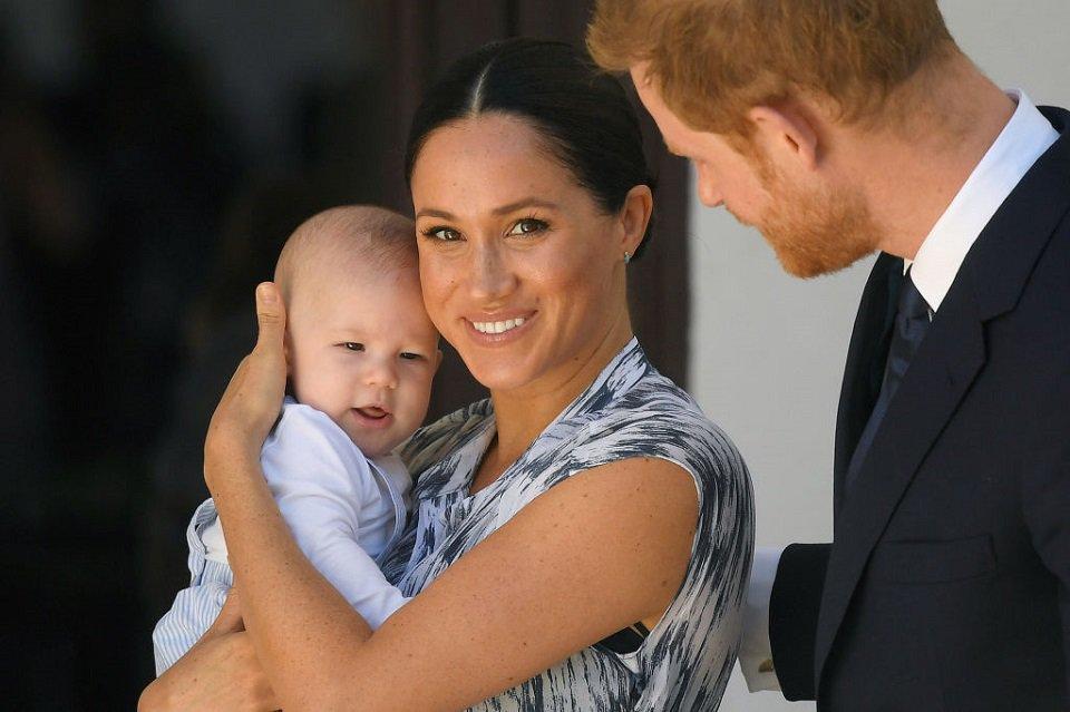Meghan Markle e Harry com o filho Archie
