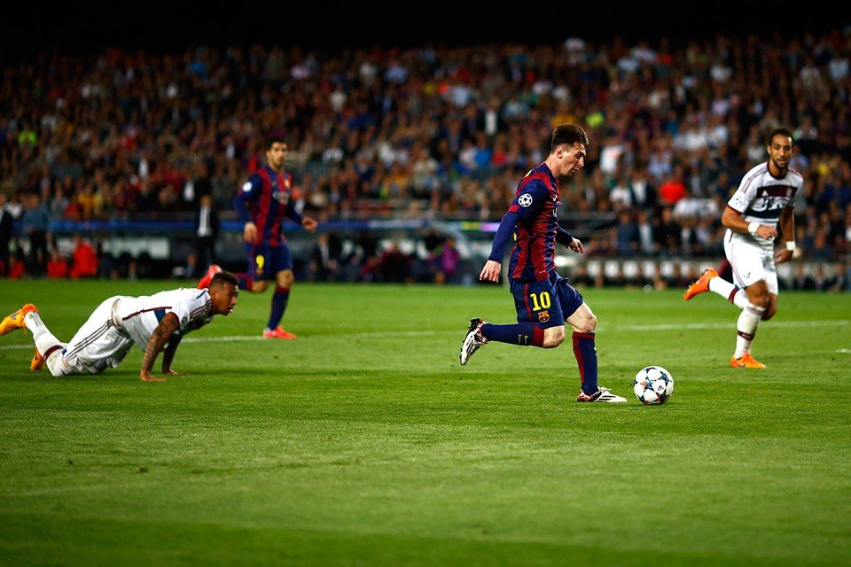 "Boateng celebra 5 anos do drible de Messi: ""Algo para rir"""