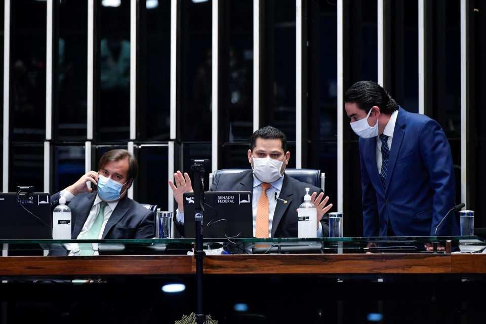 rodrigo maia davi alcolumbre sessão congresso orçamento de guerra senado