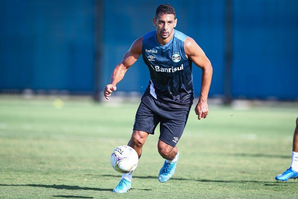 Diego Souza em treino no Grêmio