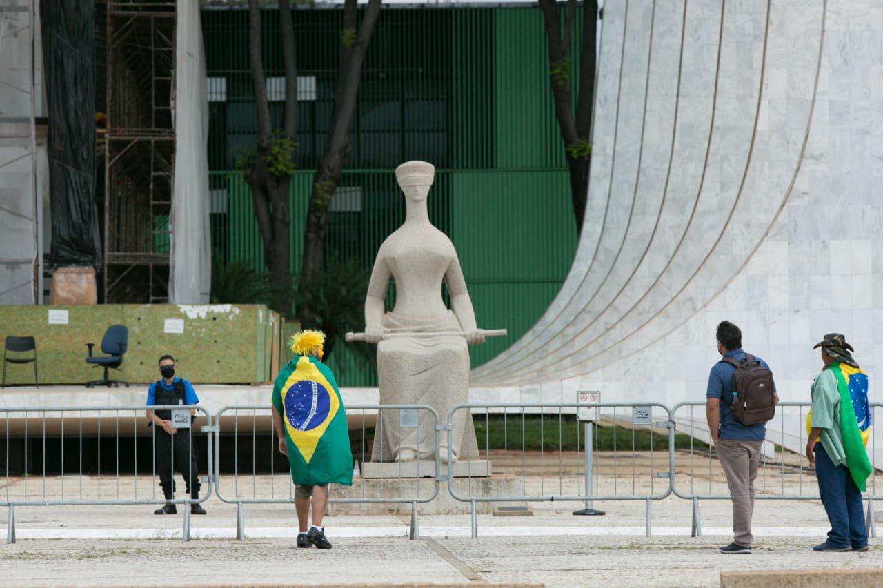 Militantes bolsonaristas em Brasília
