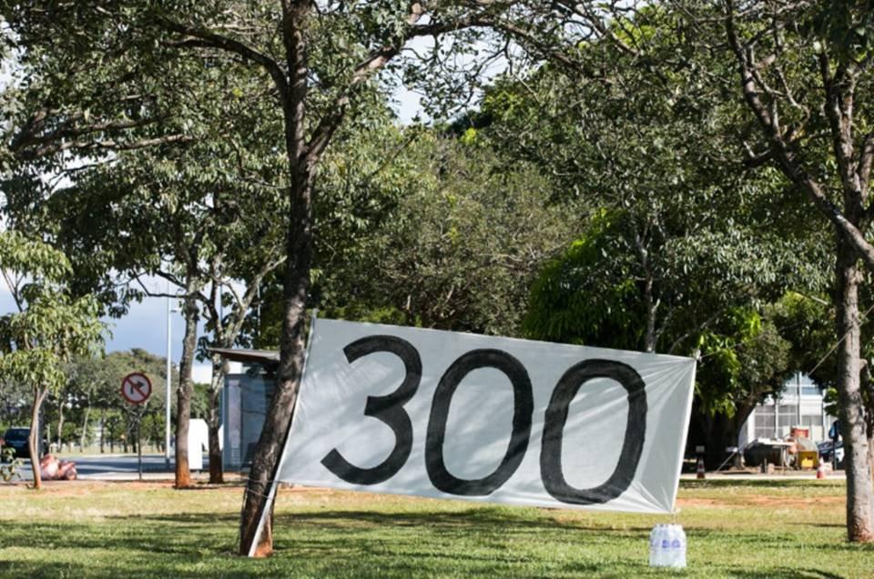 Acampamento 300 do Brasil
