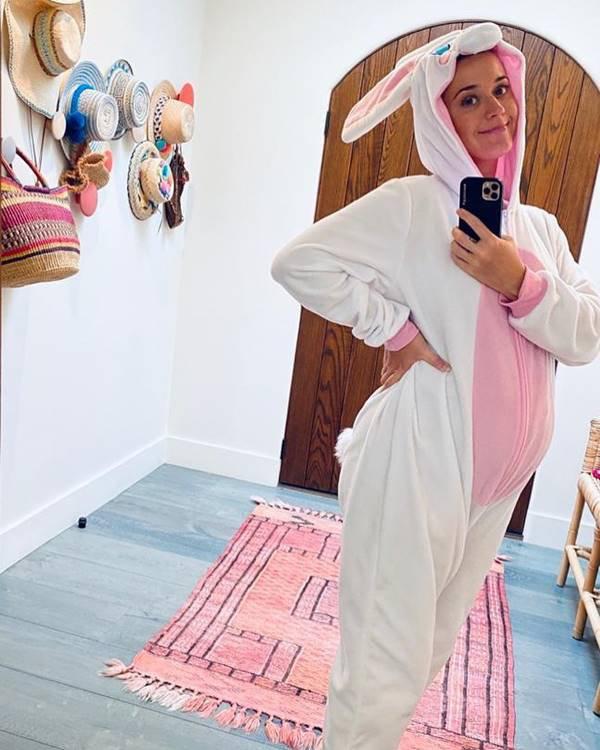Katy Perry vestida de coelha na Páscoa