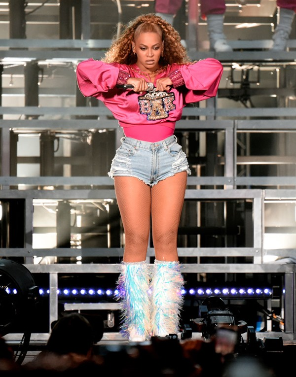 Beyoncé em palco no Coachella 2018