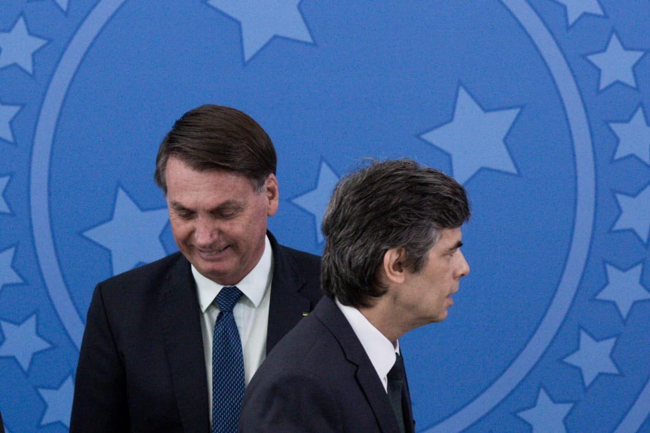 Ex-ministro Teich e Bolsonaro